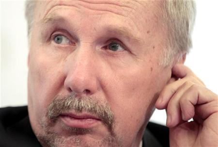 Ewald Nowotny reacts as he briefs the media during a news conference in Vienna December 7, 2012. REUTERS/Herwig Prammer