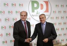 Il segretario del Pd Pier Luigi Bersani e il procuratore nazionale antimafia Piero Grasso oggi a Roma, 2012. REUTERS/Tony Gentile