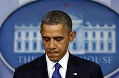 """Presidente dos Estados Unidos Barack Obama vai se encontrar com líderes congressistas na tentativa de firmar um acordo para evitar o chamado """"abismo fiscal"""" antes do Ano Novo. 21/12/2012. REUTERS/Kevin Lamarque"""