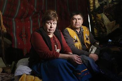 Hunger strike pressures Canada PM, aboriginal protests...