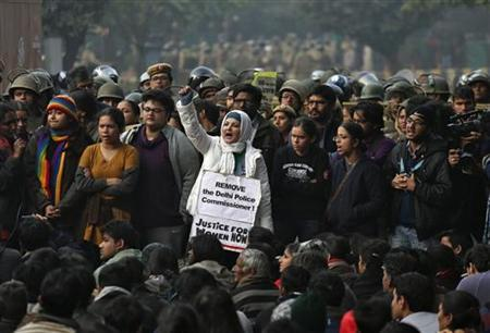 A demonstrator shouts slogans during a protest rally in New Delhi December 27, 2012. REUTERS/Ahmad Masood