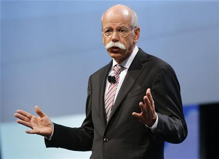 Daimler AG's Chief Executive Officer Dieter Zetsche gives a speaks on media day at the Paris Mondial de l'Automobile September 27, 2012. REUTERS/Jacky Naegelen