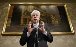 Italy's outgoing Prime Minister Mario Monti speaks during news conference in Rome December 28, 2012. REUTERS/Tony Gentile