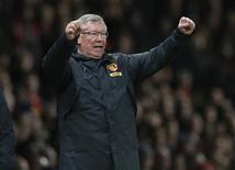 Le manager de Manchester United, Alex Ferguson, a fait savoir samedi qu'il ne prévoyait pas de faire de grandes dépenses pour attirer un joueur star lors du marché des transferts du mois de janvier. /Photo prise le 26 décembre 2012/REUTERS/Phil Noble