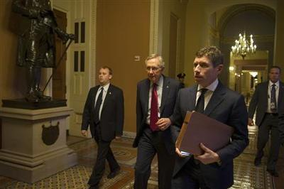 Senate leaders work to avoid New Year's ''fiscal cliff''