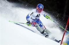 La Slovaque Veronika Velez Zuzulova a signé samedi, à 28 ans, la première victoire de sa carrière en Coupe du monde lors du slalom de Semmering, en Autriche, offrant par la même occasion un premier succès sur le circuit à son pays. /Photo prise le 29 décembre 2012/REUTERS/Dominic Ebenbichler