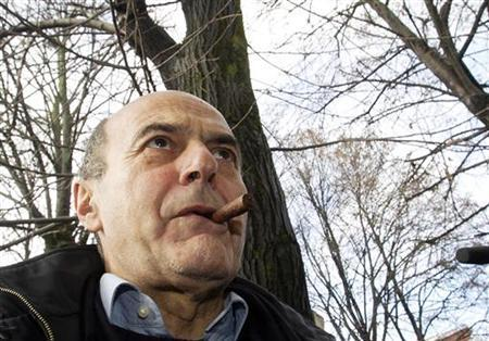 Democratic Party (PD) leader Pier Luigi Bersani arrives to cast his vote at a polling station in Piacenza, northern Italy December 2, 2012. REUTERS/Alessandro Garofalo