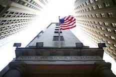 Les marchés d'actions abordent l'année 2013 dans l'incertitude la plus totale faute de savoir si les responsables politiques de Washington seront capables d'aplanir leurs divergences et d'éviter un déraillement de l'économie américaine. /Photo d'archives/REUTERS/Eric Thayer
