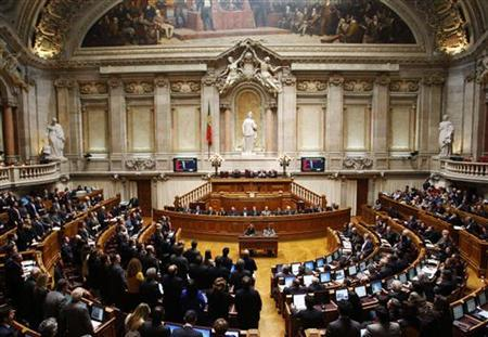 Portugal's lawmakers vote on the 2013 state budget at the parliament in Lisbon November 27, 2012. REUTERS/Hugo Correia