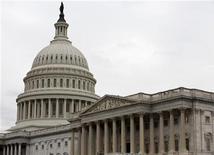 """Congresso dos Estados Unidos tem apenas algumas horas para tentar evitar que o país enfrente um """"abismo fiscal"""". 21/12/2012 REUTERS/Joshua Roberts"""