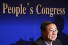 Presidente do banco central da China, Zhou Xiaochuan, afirmou que país vai manter política monetária prudente. 11/03/2011 REUTERS/David Gray