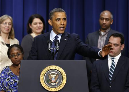 U.S. President Barack Obama speaks about the negotiations with Capitol Hill about the looming fiscal cliff while in the Eisenhower Executive Office Building on the White House complex in Washington, December 31, 2012. REUTERS/Larry Downing