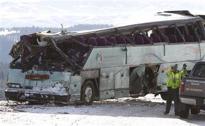 Federal safety team joins probe of fatal Oregon bus...