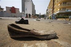 Une soixantaine de personnes ont été tuées lors d'une bousculade survenue lundi soir près du grand stade d'Abidjan dans le quartier du Plateau, à l'issue d'un feu d'artifice de fin d'année. /Photo prise le 1 janvier 2013/REUTERS/Thierry Gouegnon