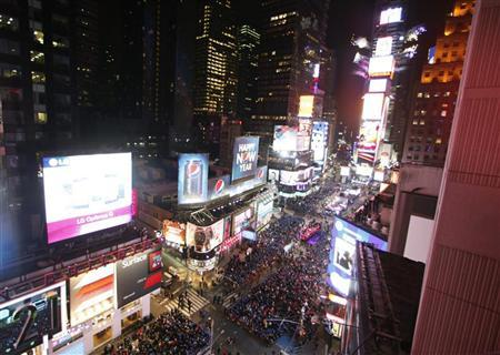 Revelers fill Times Square during a celebration to mark the start of the new year in New York December 31, 2012. REUTERS/Gary Hershorn