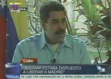A still image taken from the news station Telesur shows Venezuela's Vice President Nicolas Maduro talking during an interview in Havana January 1, 2013. Venezuelan President Hugo Chavez is in stable condition and spent Monday with his daughters, the cancer-stricken leader's son in law said in an appeal for supporters to ignore rumours about his condition. REUTERS/TELESUR/Handout (CUBA - Tags: POLITICS HEALTH) FOR EDITORIAL USE ONLY. NOT FOR SALE FOR MARKETING OR ADVERTISING CAMPAIGNS. THIS Una imagen captada de una transmisión de la cadena Telesur muestra al vicepresidente de Venezuela, Nicolás Maduro, durante una entrevista en La Habana, 1 de enero del 2013. REUTERS/TELESUR/Handout