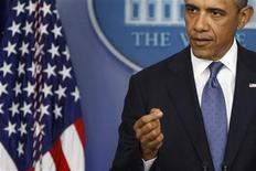 "U.S. President Barack Obama makes a point during remarks to reporters after meeting with congressional leaders at the White House in Washington, December 28, 2012. Obama and the legislators met on Friday for the first time since November, with no sign of progress in resolving their differences over the U.S. federal budget and expectations low for a ""fiscal cliff"" deal before January 1. REUTERS/Jonathan Ernst (UNITED STATES - Tags: POLITICS)"