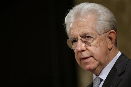 Italy's outgoing Prime Minister Mario Monti talks during a news conference in Rome December 28, 2012. Monti believes his centrist group can achieve ''significant results'' in election. REUTERS/Tony Gentile