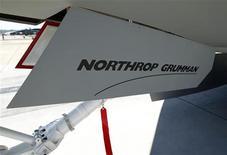 Northrop Grumman, groupe américain d'aérospatiale et de défense, a annoncé mercredi qu'il renonçait, pour des raisons d'économies, à se rendre au prochain salon international de l'aéronautique et de l'espace du Bourget, organisé entre le 17 et le 23 juin. /Photo d'archives/REUTERS/Mike Blake