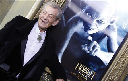 Cast member Ian McKellen arrives for the premiere of the movie ''The Hobbit: An Unexpected Journey'' in New York December 6, 2012. REUTERS/Carlo Allegri