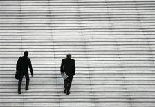 Le ministère de l'Economie a annoncé jeudi la mise en place d'un nouveau dispositif de garantie publique de crédits aux PME et TPE pour les aider à faire face aux tensions de trésorerie dans l'environnement actuel de croissance quasi nulle de l'économie. /Photo d'archives/REUTERS/John Schults