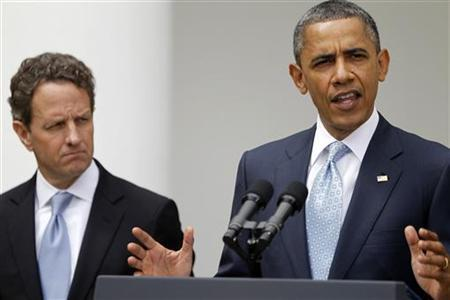 U.S. President Barack Obama makes a statement announcing a plan to crack down on manipulation in oil markets, alongside Treasury Secretary Tim Geithner (L) in the Rose Garden of the White House in Washington, April 17, 2012. REUTERS/Jason Reed