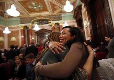 Chicago couple eagerly awaits Illinois gay marriage...