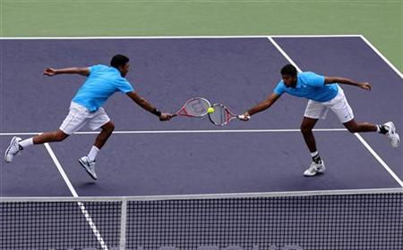 Mahesh Bhupathi (L) and Rohan Bopanna at the Shanghai Masters tennis tournament October 14, 2012. REUTERS/Aly Song/Files