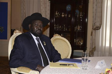 South Sudan's President Salva Kiir is pictured after arriving for talks with leaders from Sudan in the Ethiopian capital Addis Ababa January 4, 2013. REUTERS/Tiksa Negeri