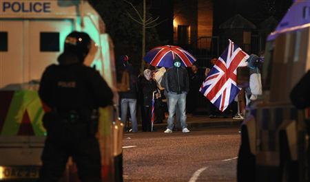 Loyalist protesters block Cregagh Road in East Belfast after a decision was made to remove the British flag from Belfast's City Hall January 4, 2013. REUTERS/Cathal McNaughton