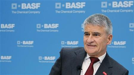 Juergen Hambrecht, former CEO of German chemical company BASF, attends the annual news conference in Ludwigshafen February 25, 2010. REUTERS/Johannes Eisele