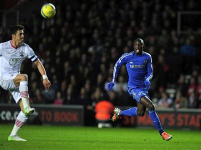 Chelsea's Demba Ba (R) reacts during their FA Cup third round match against Southampton at St Mary's Stadium in Southampton, southern England January 5, 2013. REUTERS/Kieran Doherty