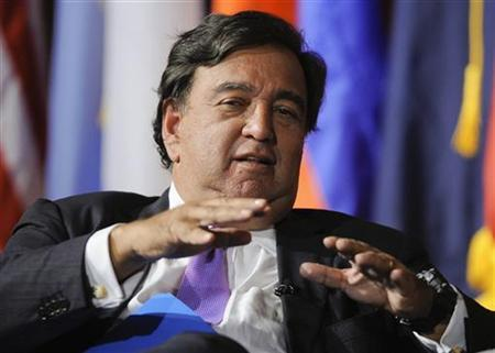 Former Governor of New Mexico Bill Richardson fields a question during the University of Southern California's Schwarzenegger Institute for State and Global Policy inaugural Symposium in Los Angeles, California, September 24, 2012. REUTERS/Gus Ruelas
