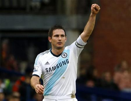 Chelsea's Frank Lampard celebrates scoring against Everton during their English Premier League soccer match at Goodison Park in Liverpool, northern England December 30, 2012. REUTERS/Phil Noble