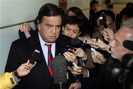 File photo of former New Mexico Governor Bill Richardson speaking to the media upon his arrival at Beijing airport from North Korea, on December 21, 2010. REUTERS/Jason Lee/Files.