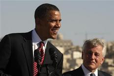 Il presidente statunitense Barack Obama in conferenza stampa ad Amman, con accanto il senatore Chuck Hagel, che sarà nominato segretario della Difesa. REUTERS/Ali Jarekji