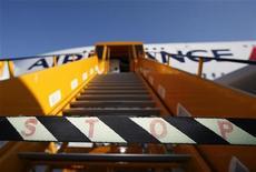 Tempo ruim afetou crescimento de passageiros da Air France-KLM no mês de dezembro, chegando a 2,1 por cento em 2012. 30/10/2012 REUTERS/Christian Charisius
