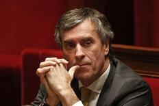 Le parquet de Paris a ouvert une enquête préliminaire visant à déterminer si le ministre du Budget Jérôme Cahuzac a ou non détenu un compte en Suisse afin de dissimuler des revenus au fisc. /Photo prise le 11 décembre 2012/REUTERS/Charles Platiau