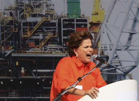 Brazil's President Dilma Rousseff delivers a speech during the opening ceremony of Brazilian oil giant Petrobras' P-56 oil rig at Angra dos Reis, in this June 3, 2011 file photo. REUTERS/Sergio Moraes/Files