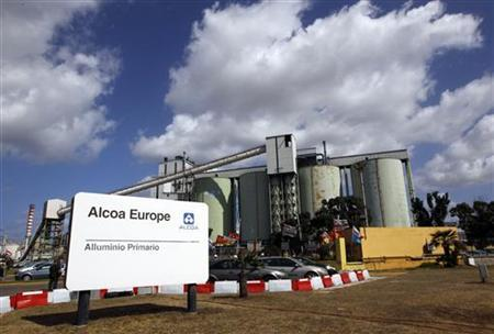 Alcoa Inc.'s aluminium plant in Sardinian is pictured in Portovesme, next to Cagliari September 1, 2012. Italian bomb disposal experts safely exploded a device on Saturday left outside the Sardinian plant of Alcoa Inc., in an escalation of tensions over the U.S. aluminum producer's plans to shut down the factory. Picture taken September 1, 2012. REUTERS/Alessandro Bianchi (ITALY - Tags: CRIME LAW POLITICS BUSINESS)