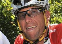 Lance Armstrong romperá su silencio sobre su sanción a perpetuidad del ciclismo y los cargos de dopaje en su contra en una entrevista televisada con Oprah Winfrey que tendrá lugar la próxima semana, anunció el martes la presentadora de televisión. En la imagen, de archivo, el ex ciclista Lance Armstrong. REUTERS/Graham Watson/Files