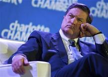Президент ФРБ Ричмонда Джеффри Лэкер на конференции в Шарлотт, Северная Каролина, 17 декабря 2012 года. Новый план стимулов ФРС США не окажет значительного влияния на рост экономики, но повышает риск ускорения инфляции в следующем году, считает президент Джеффри Лэкер. REUTERS/Chris Keane