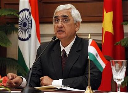 India's Foreign Minister Salman Khurshid speaks during a news conference in New Delhi January 9, 2013. REUTERS/B Mathur