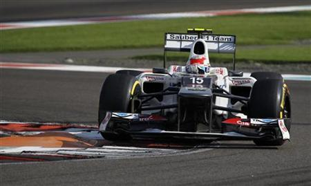 Sauber Formula One driver Sergio Perez of Mexico drives during the third practice session of the Abu Dhabi F1 Grand Prix at the Yas Marina circuit on Yas Island November 3, 2012. REUTERS/Steve Crisp