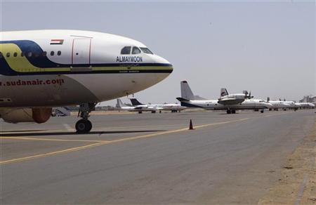 Aeroplanes are seen on the tarmac in Khartoum's international airport September 13, 2012. REUTERS/Mohamed Nureldin Abdallah