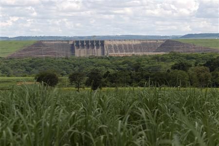 A view of the Itumbiara hydroelectric dam with the floodgates closed as the dam runs at only 9 percent of capacity due to low water levels, according to the dam's operator, in the city of Itumbiara on the border between the states of Goias and Minas Gerais in Central Brazil, January 9, 2013. One of the worst droughts in Brazil's history is depriving many dams of the water they need to generate electricity, but Brazil looks less vulnerable today to an energy crisis similar to one in 2001, since the government built dozens of thermoelectric power plants to reduce the country's dependence on hydro power from 88 percent to about 75 percent. REUTERS/Ueslei Marcelino
