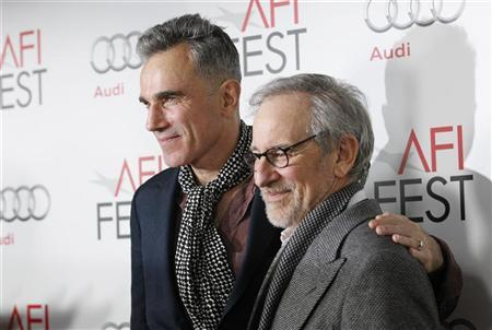 Director of the movie Steven Spielberg (R) and cast member Daniel Day-Lewis pose at the premiere of ''Lincoln'' during the AFI Fest 2012 at the Grauman's Chinese theatre in Hollywood, California November 8, 2012. The movie opens in the U.S. on November 16. REUTERS/Mario Anzuoni