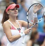 La Polonaise Agnieszka Radwanska, tête de série n°1, s'est qualifiée pour la finale du tournoi de tennis de Sydney aux dépens de la Chinoise Li Na 6-3 6-4. /Photo prise le 10 janvier 2013/REUTERS/Daniel Munoz