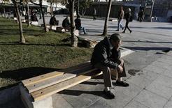 Índice de desemprego na Grécia chegou a 26,8 por cento em outubro. Taxa quase triplicou desde setembro de 2009. 10/01/2013 REUTERS/John Kolesidis