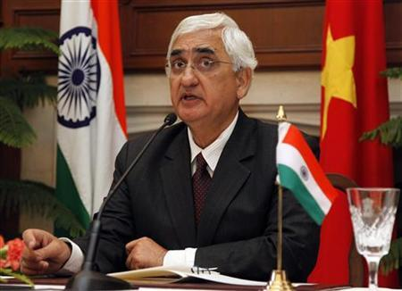Foreign Minister Salman Khurshid speaks during a news conference in New Delhi January 9, 2013. REUTERS/B Mathur/Files